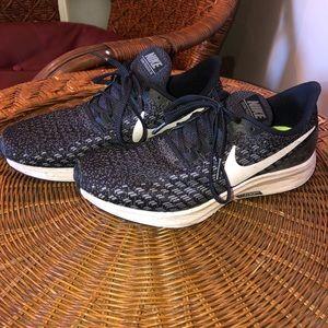 Nike Black Zoom Pegasus 35